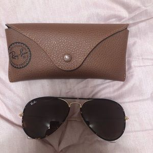 Tortoise shell women's RayBan Aviators (with case)